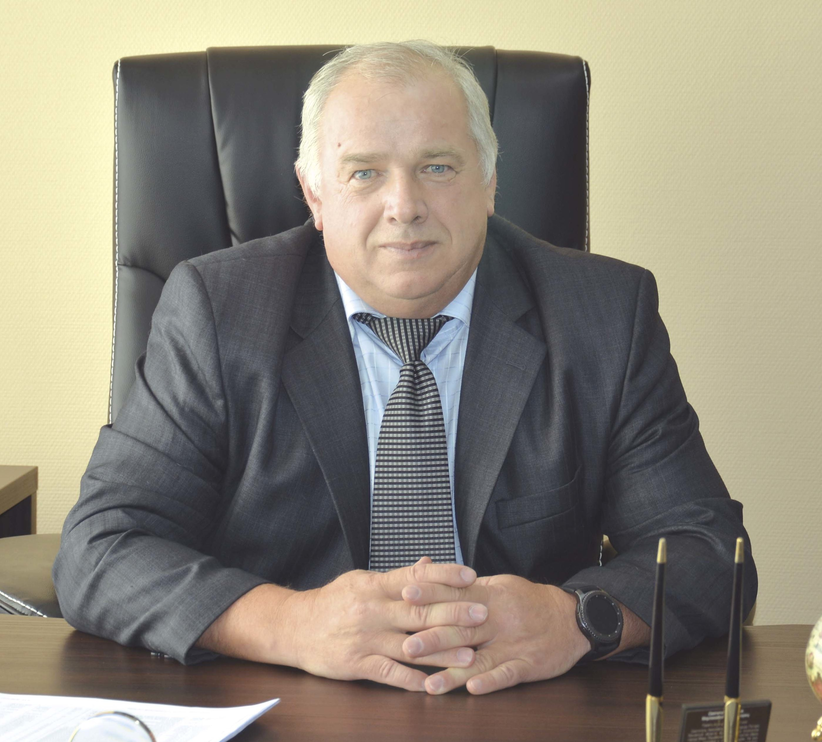 Петров Виктор Николаевич (Директор)